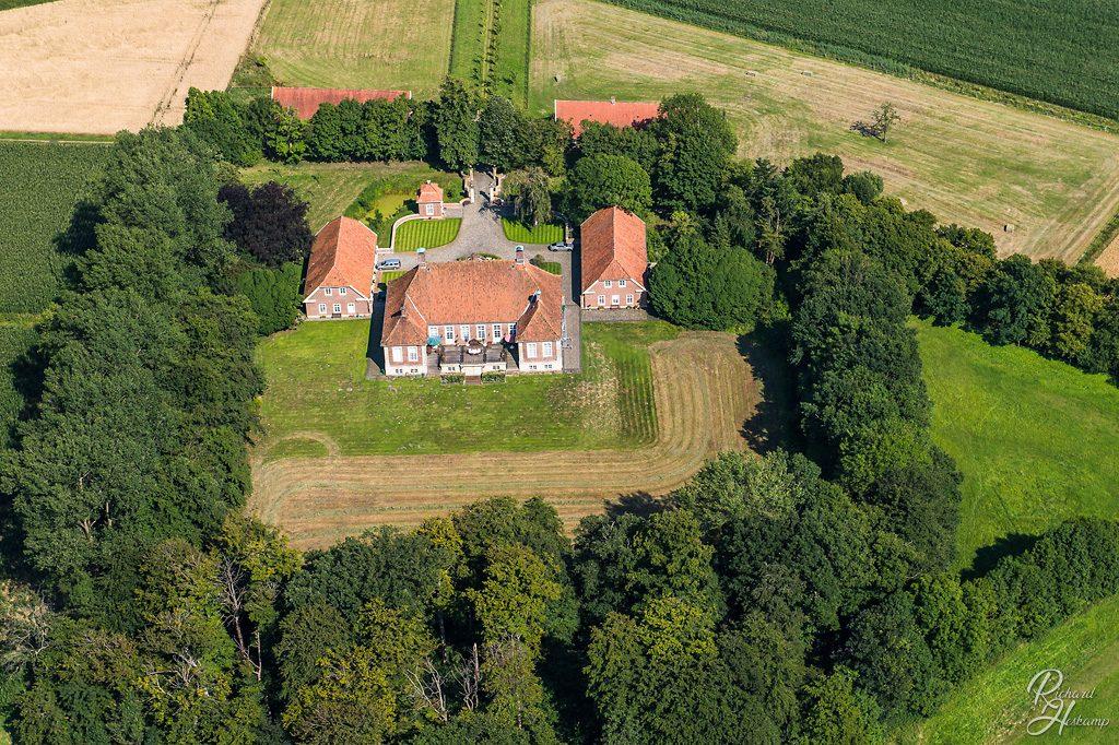 Luftbild vom Schloss Herzford - Rueckseite